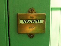 vacant sign on door
