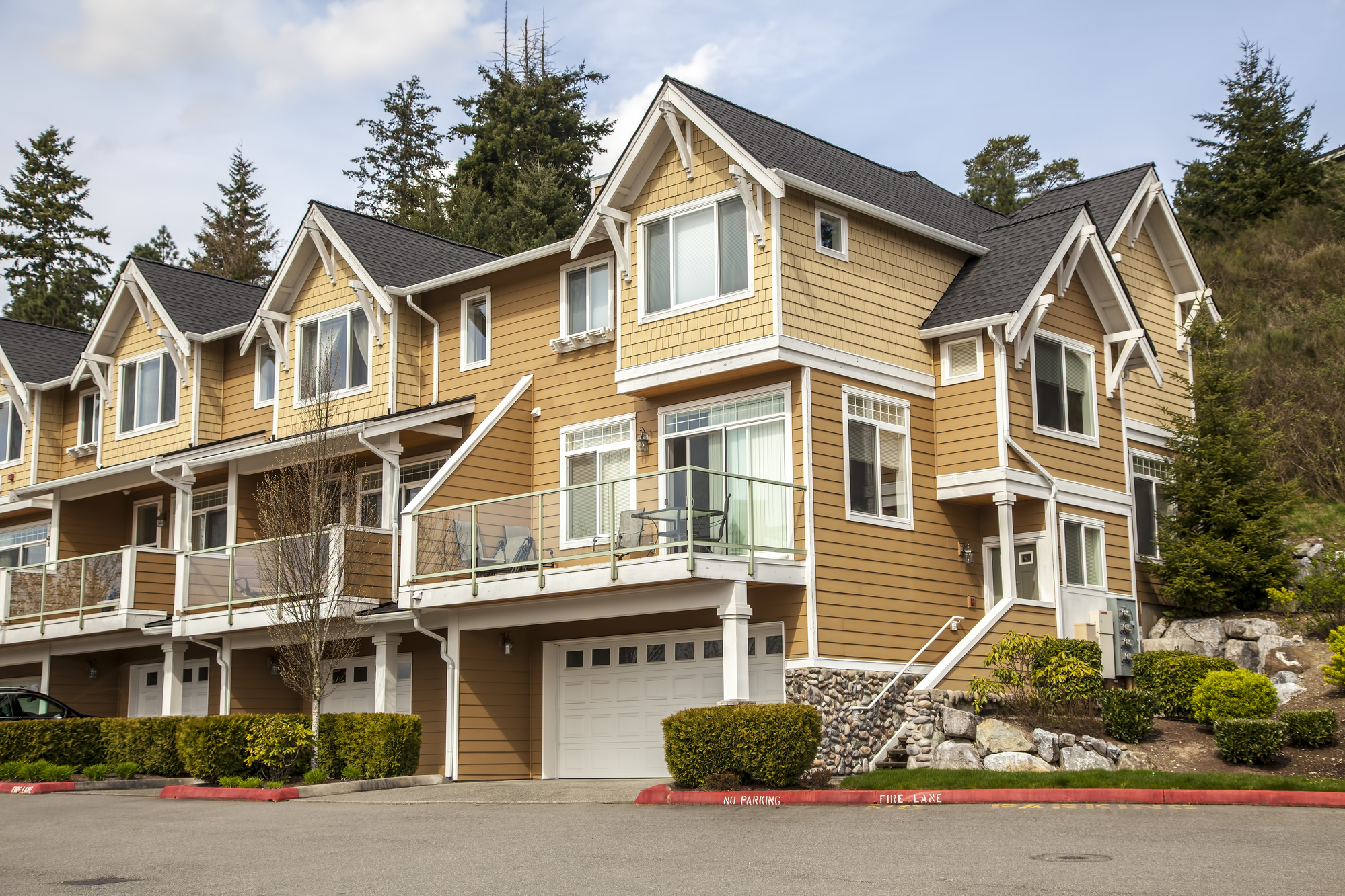 Do You Need Small Apartment Building Property Management? Here's What Landlords Need to Know